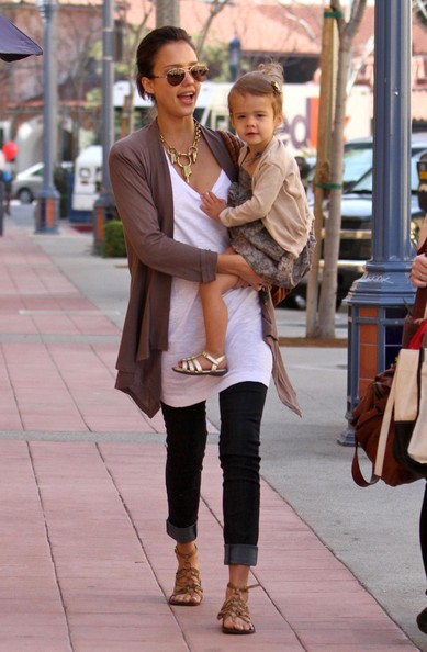 Jessica Alba And Daughter Out Shopping In Westwood