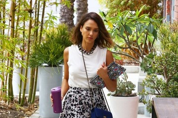 Jessica Alba Jessica Alba Heads to Her Honest Company Office