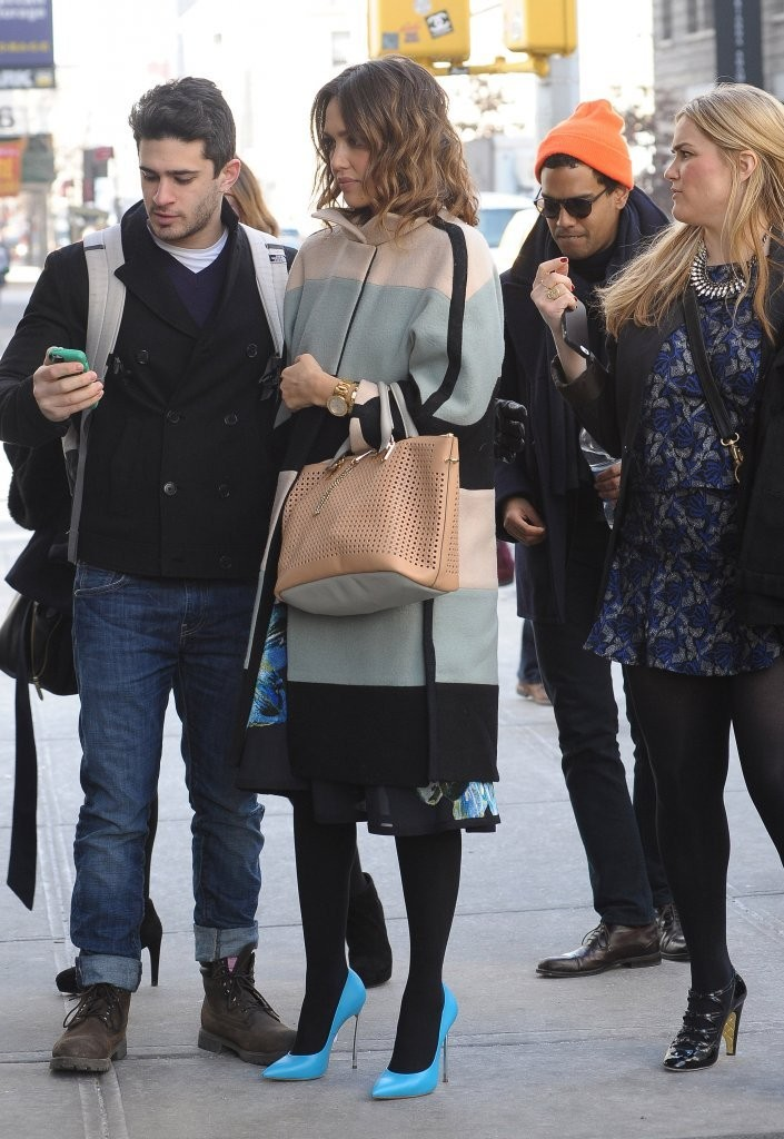 Jessica Alba Keeps Busy in NYC