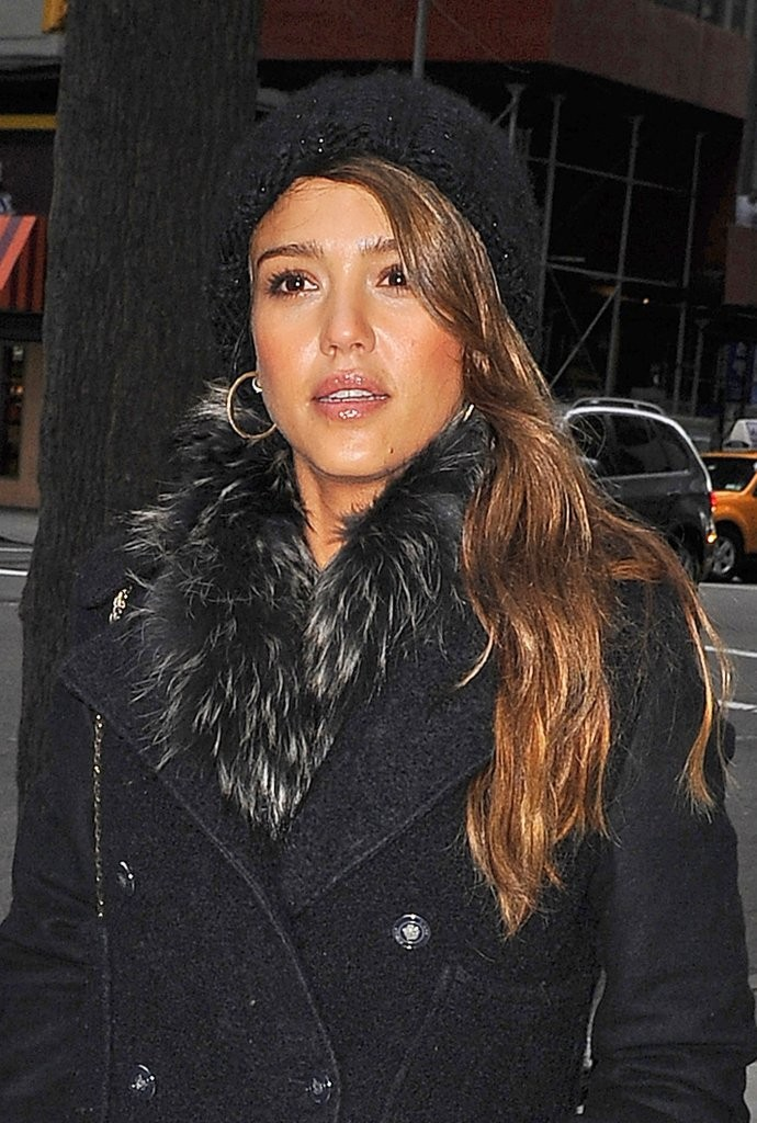 Jessica Alba Steps Out in NYC