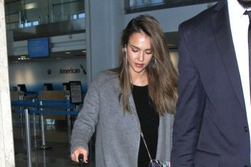 Jessica Alba Jessica Alba Arrives on a Flight at LAX