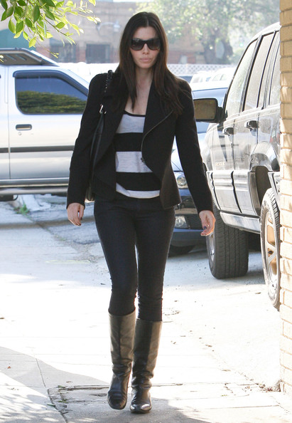 Jessica Biel Actress Jessica Biel heading to an office in West Hollywood, CA.