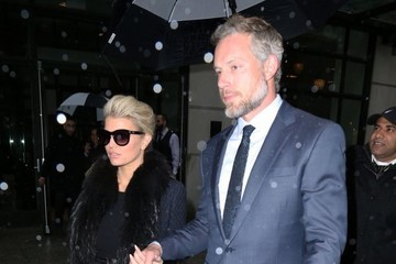 Jessica Simpson Jessica Simpson & Eric Johnson Step Out In Rainy New York