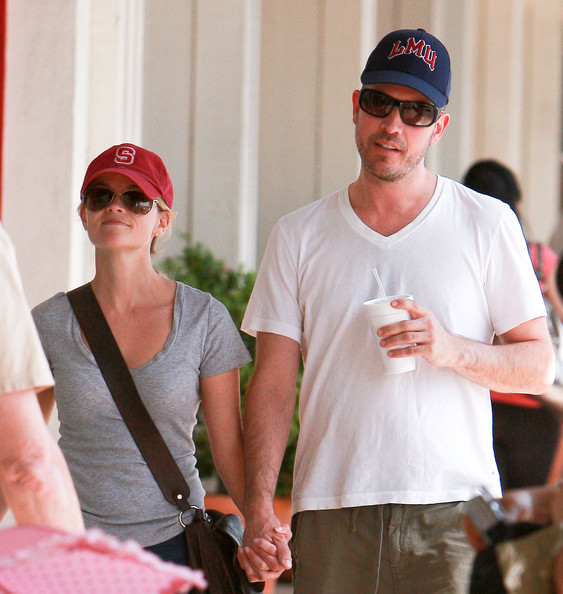 reese witherspoon jim toth engaged. Reese Witherspoon amp; Jim Toth