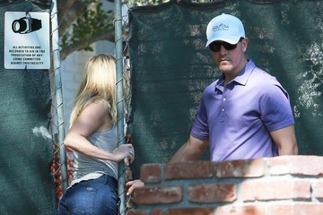 Jim Toth Reese Witherspoon & Family Stop To Check On Their New House