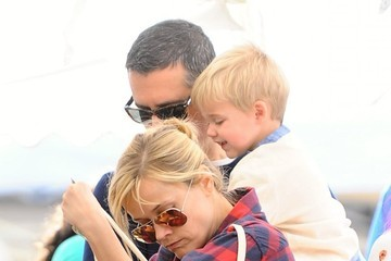 Jim Toth Reese Witherspoon Spends the Day with Family