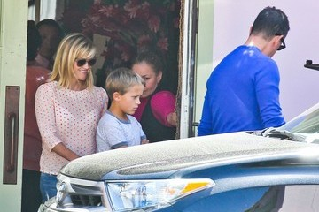 Jim Toth Reese Witherspoon & Family Out For Lunch In Santa Monica