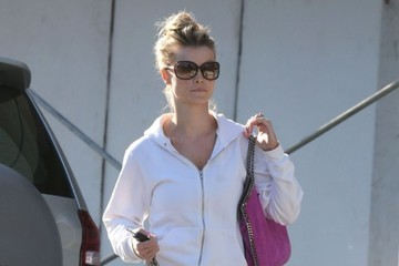 Joanna Krupa Joanna Krupa Gets Lunch at Lemonade