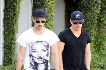 Joe Jonas Joe Jonas Shops with a Friend