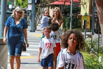 Johan Samuel Heidi Klum Takes Her Kids Out For Lunch In Brentwood