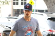 Josh Duhamel Grabs Some Breakfast to Go