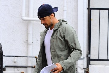 Josh Duhamel Josh Duhamel Out for Breakfast