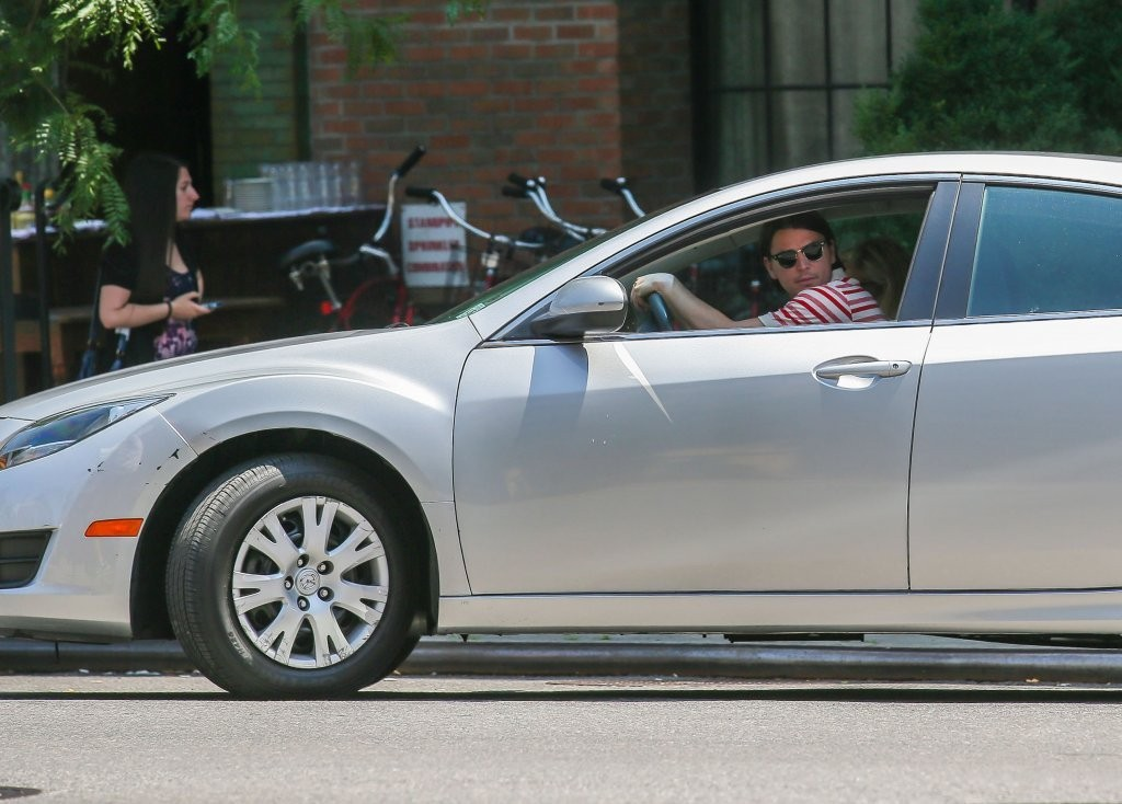 photo of Josh Hartnett Mazda - car
