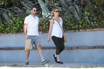 Josh Kelly Katherine Heigl and Josh Kelly Grab Lunch in Los Feliz