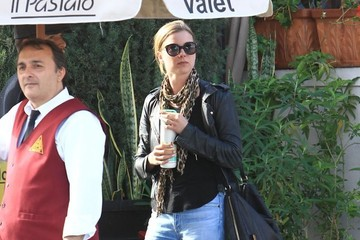 Joshua Bowman Emily VanCamp and Joshua Bowman Go Out for Lunch