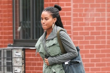 Joy Bryant Joy Bryant Waiting For A Cab In NYC