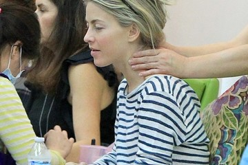Julianne Hough Julianne Hough Gets Her Nails Done in Beverly Hills