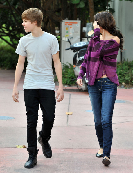 justin bieber pictures with selena gomez. Justin Bieber and Selena Gomez