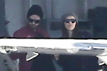 Justin Timberlake Pregnant Jessica Biel & Justin Timberlake Catch A Private Jet In Van Nuys