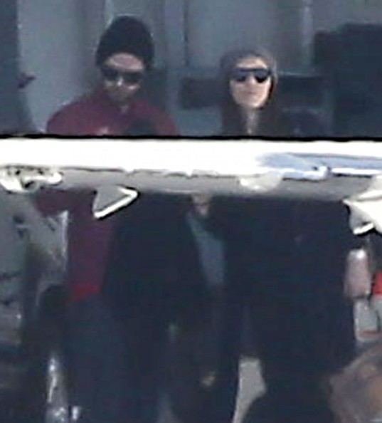 Pregnant Jessica Biel & Justin Timberlake Catch A Private Jet In Van Nuys []