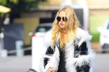 Kaius Berman Rachel Zoe Shops at a Farmer's Market With Her Family