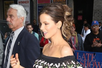 Kate Beckinsale Celebrities Visit the 'Late Show With Stephen Colbert'