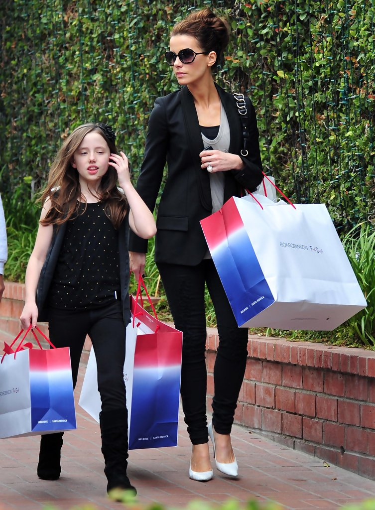 Kate Beckinsale And Her Daughter Shopping At Fred Segal ... Kate Beckinsale Daughter