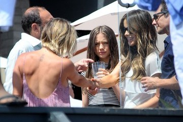 Kate Beckinsale Len Wiseman Stars Attend Joel Silver's Annual Memorial Day Party