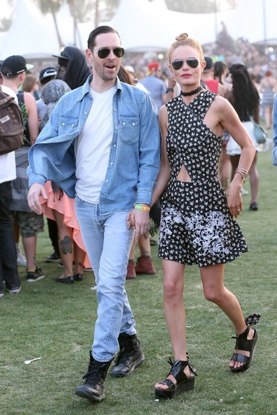 Coachella Music Festival Day 2 [footwear,sunglasses,fashion,jeans,product,fun,eyewear,shoe,girl,summer,footwear,celebrities,kate bosworth,michael polish,actor,brothers,fashion,sunglasses,coachella music festival,day 2,michael polish,coachella valley music and arts festival,kate bosworth,festival,music festival,celebrity,actor,fashion,polish brothers,lois lane]