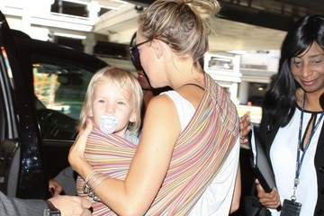 Kate Hudson Bingham Bellamy Kate Hudson And Family Arriving On A Flight At LAX