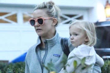 Kate Hudson Bingham Bellamy Kate Hudson & Family Spend The Day At Her Brother Oliver's House