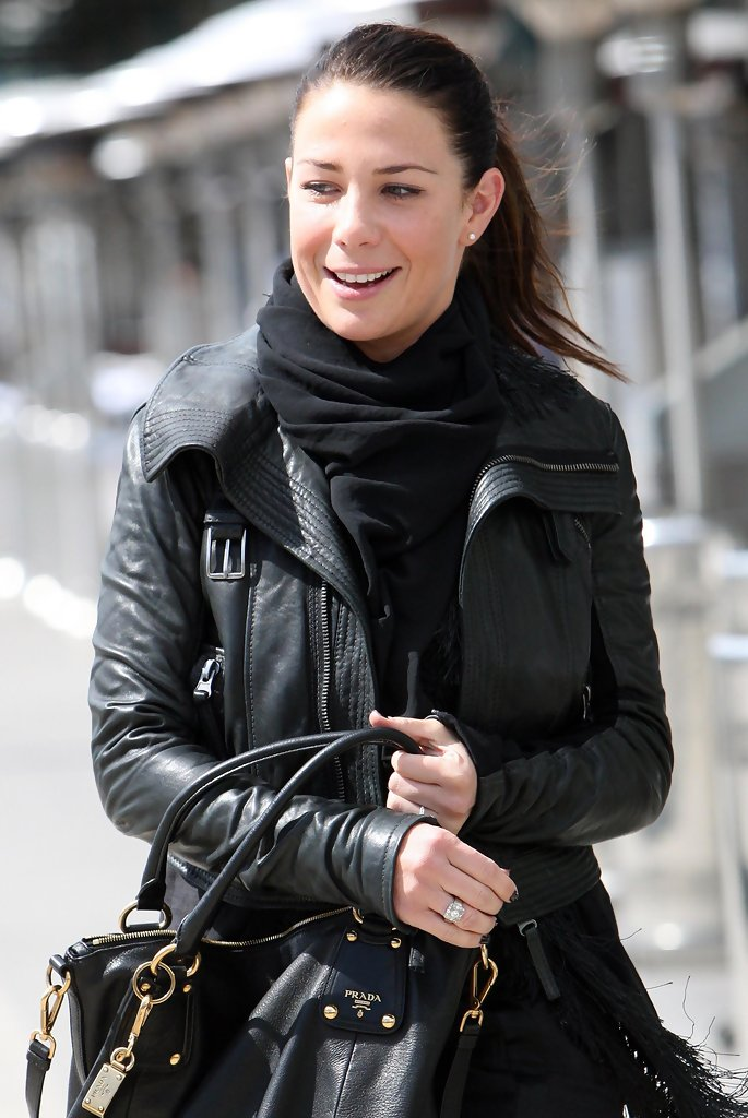 Kate Ritchie - ShowYourSearch