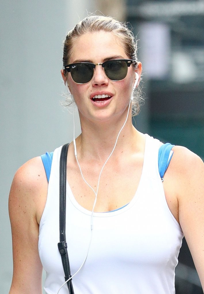 Kate Upton Spotted going to a gym in New York City 08/01/2016