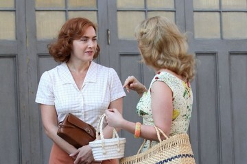 Kate Winslet Stars Perform on the Set of Woody Allen's Upcoming Movie