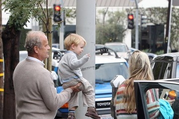 Kayte Walsh Kelsey Grammer Running Errands With Family In West Hollywood