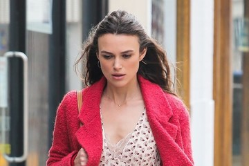 Keira Knightley Celebrities Perform on the Set of 'Collateral Beauty'