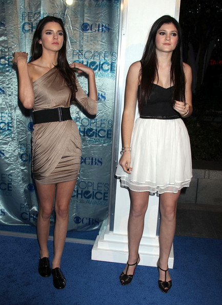 People's Choice Awards ♥ Kendall+Jenner+Kylie+Jenner+2011+People+Choice+SPZlFfXmQV6l