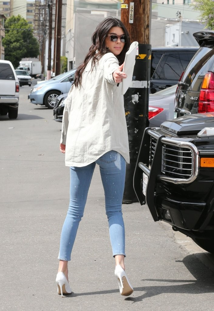 Kendall Jenner And Selena Gomez Kendall Jenner in Kend...