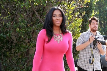 Kenya Moore Celebs Stop by the 'Extra' Set