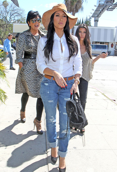 Kim Kardashian Kris Jenner and husband Bruce Jenner out for lunch with her daughters Kim and Kourtney Kardashian at Stanley's Restaurant in Sherman Oaks, CA.