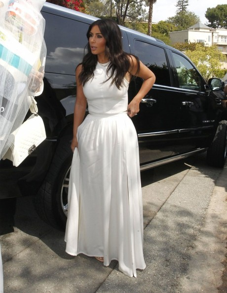 kim kardashian in kim kris attend ciara 39 s baby shower zimbio