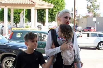 Kingston Rossdale Gwen Stefani Takes Her Kids to Church