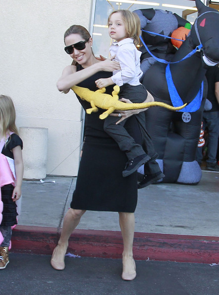 Jolie takes her kids shopping for halloween costumes knox jolie pitt