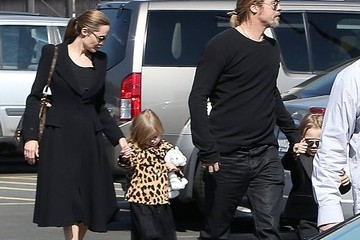 Knox Jolie-Pitt Brad & Angelina Take The Twins To The Museum