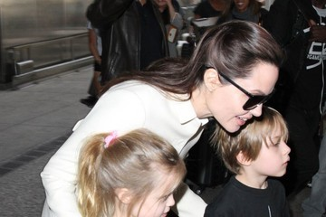 Knox Jolie-Pitt Angelina Jolie Returns to Los Angeles