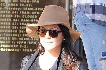 Kourtney Kardashian Pregnant Kourtney Kardashian & Family Shopping At Barneys New York