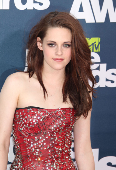 kristen stewart 2011 hair. dresses the 2011 MTV Movie Awards kristen stewart mtv movie awards 2011