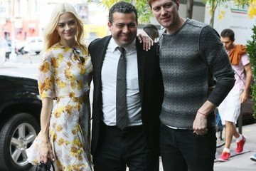 Kyle Newman Jaime King Poses with Fans in NYC