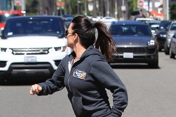 Kyle Richards Kyle Richards Works Out With a Friend in Beverly Hills