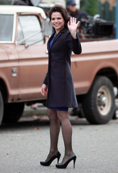 Lana Parrilla Photos Photos Cast And Crew Of Once Upon A Time Get To Work Zimbio